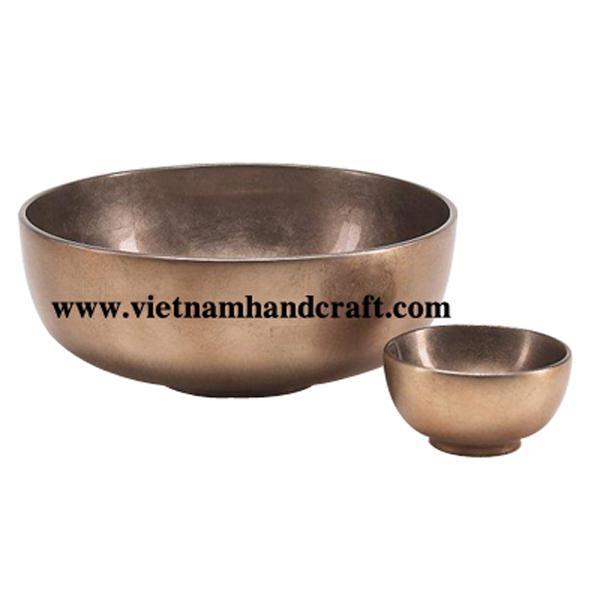 Lacquered decorative bowl in silver metallic bronze