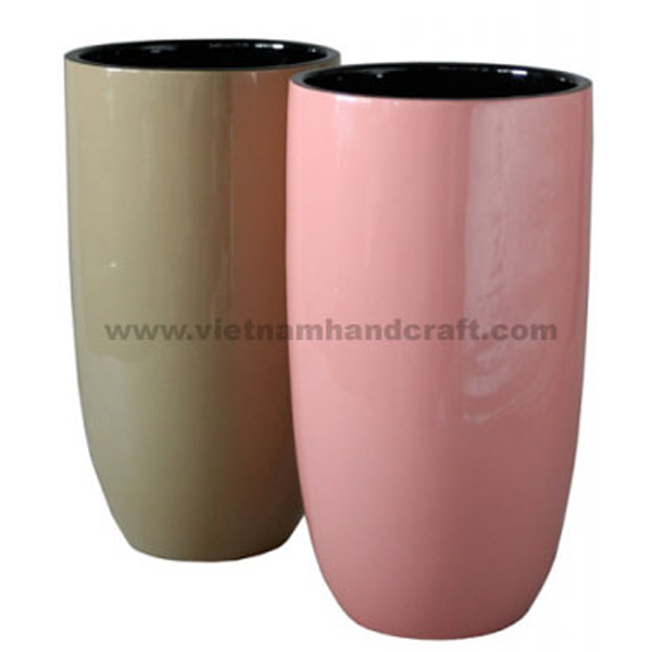 Set of 2 lacquer vases in 2 different solid colors