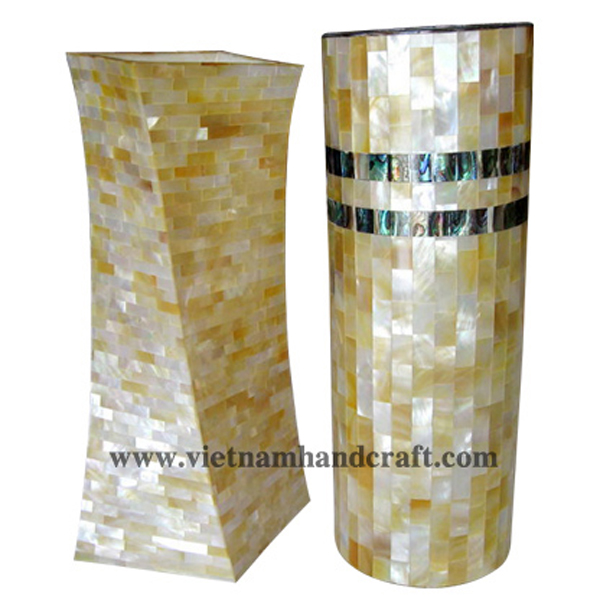 Set of 2 lacquered vases inlaid with white seashell & abalone
