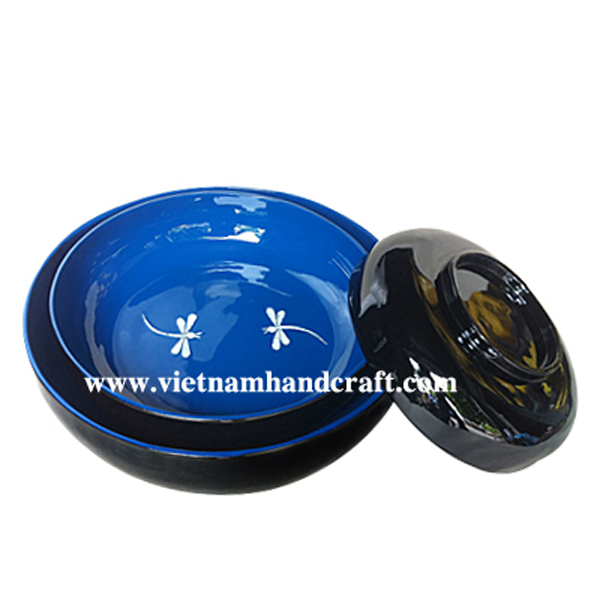 Lacquer decorative bowl inlaid with eggshell dragonflies inside