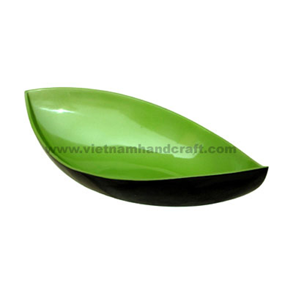Lacquered bowl in green & black