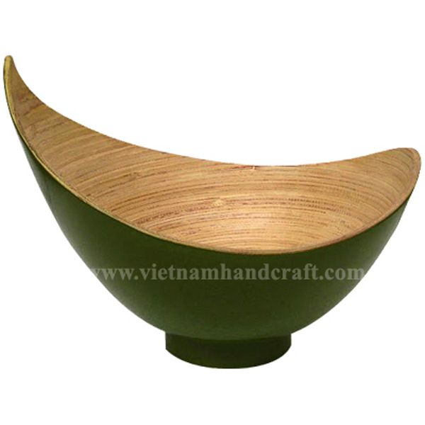 Lacquer bamboo bowl. Inside in natural, outside in green