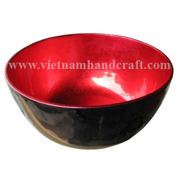 Lacquered bowl. Inside in silver metallic red, outside in black