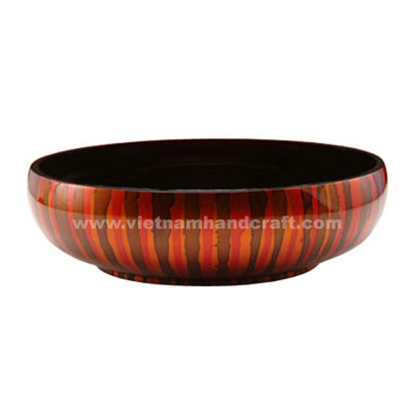Lacquer decoration bowl. Inside in black, outside with hand-painted motifs