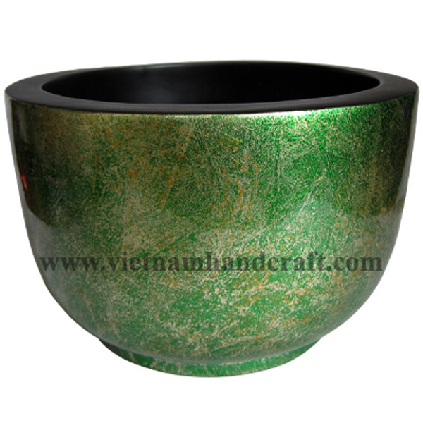 Lacquered wooden decoration bowl