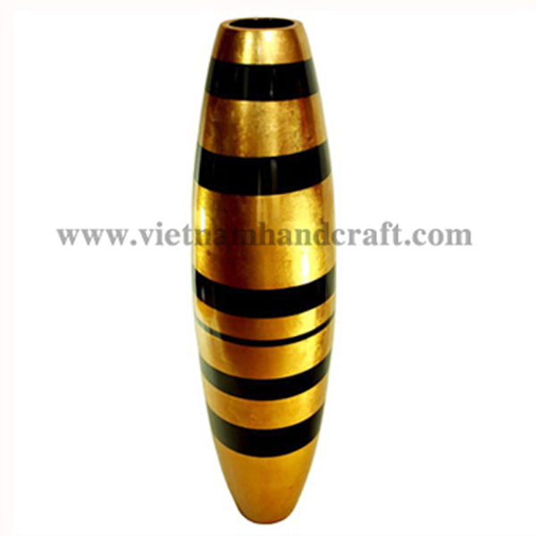 Lacquered vase in gold silver leaf with black stripes