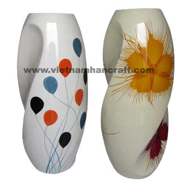 Lacquered ceramic vases in solid white with hand-painted motifs outside