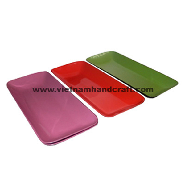 Lacquered food plates in various colors