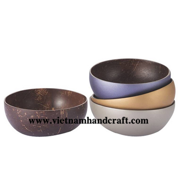 Lacquered coconut sweet bowl