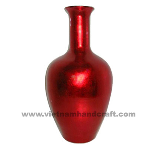 Lacquer vase in red silver
