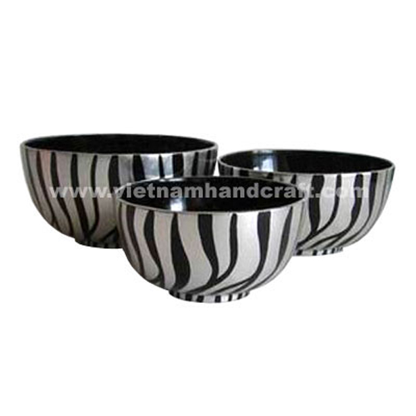 Black lacquerware bowl with white silver leaf motifs outside