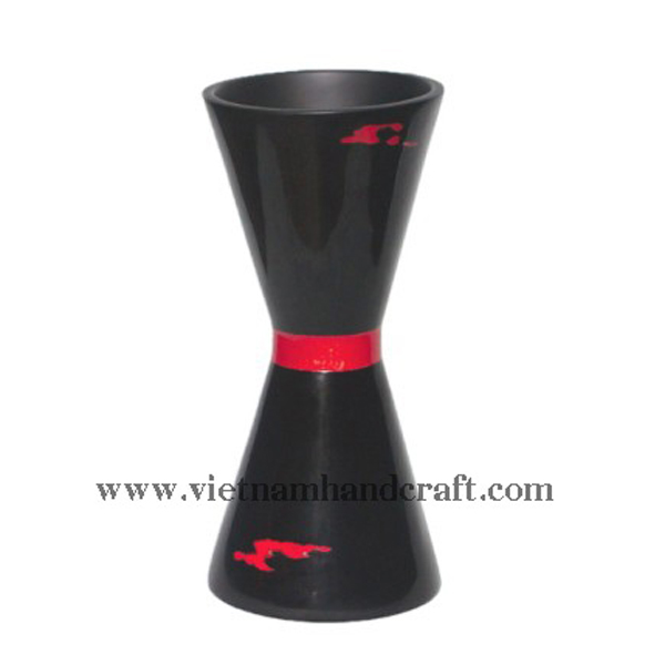 Black lacquer vase with red stripe