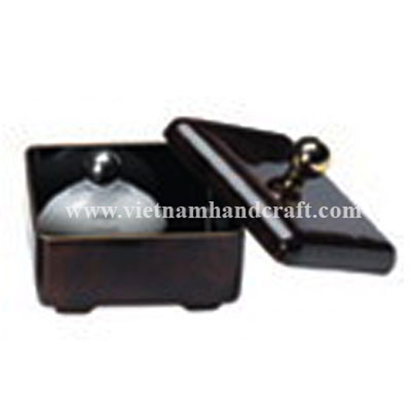 Black lacquered wood cosmetic box