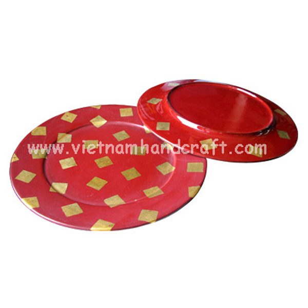 Set of 2 lacquer plates with gold leaf squares