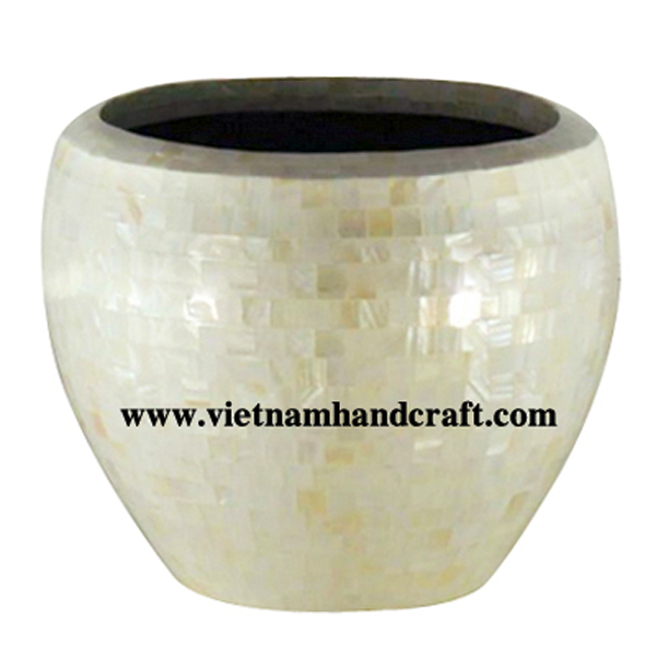 Lacquered garden planter inlaid with white sea shell