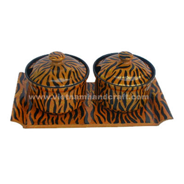 Set of 2 lacquer bowl with holder tray