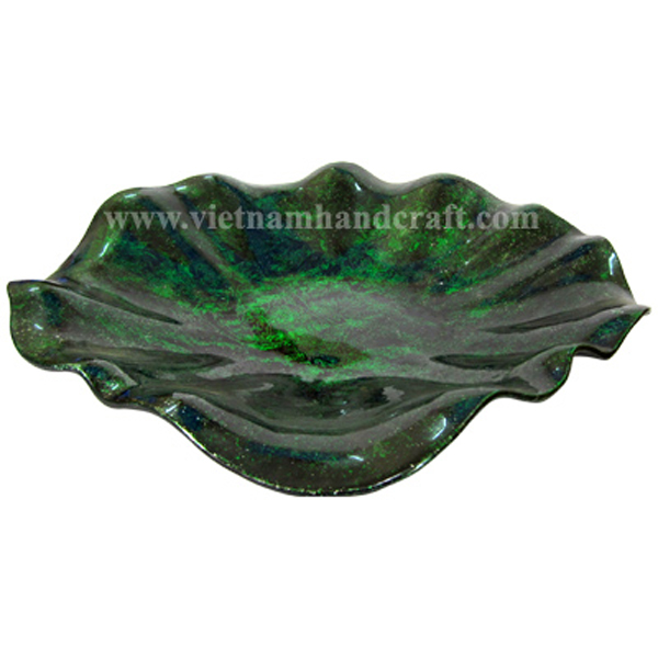 Lotus leaf shaped lacquer dish in silver metallic green & black
