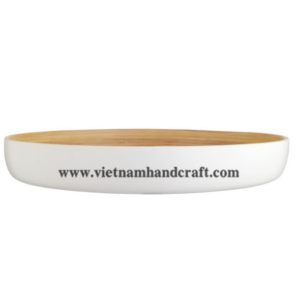 Lacquered bamboo food bowl. Inside in natural bamboo, outside in solid white
