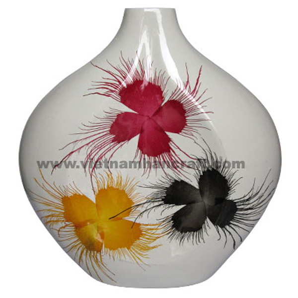 Lacquered ceramic decor vase in solid white and with hand-painted fireworks