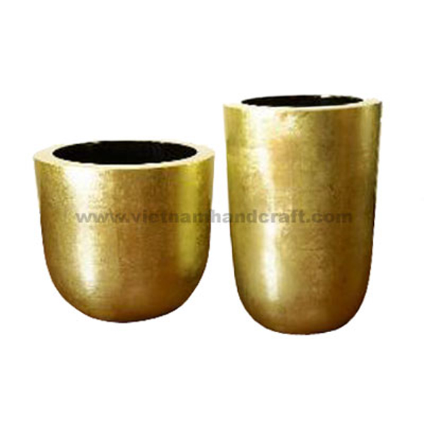 Lacquered planter pot in gold silver leaf