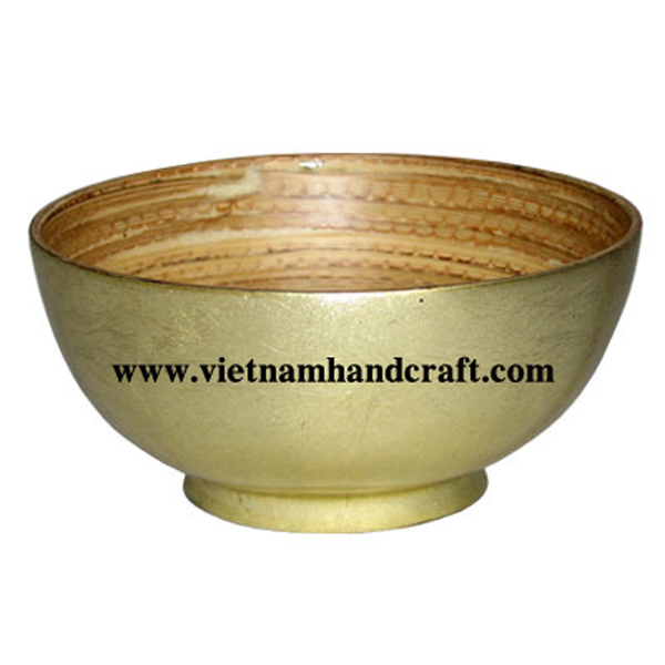 Lacquered bamboo soup bowl. Inside in natural bamboo, outside in gold silver leaf