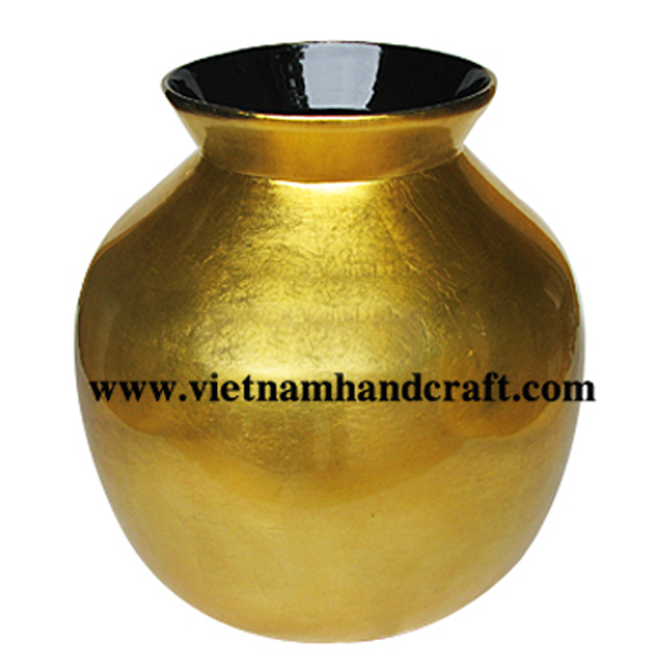 Lacquer bamboo vase in gold silver leaf