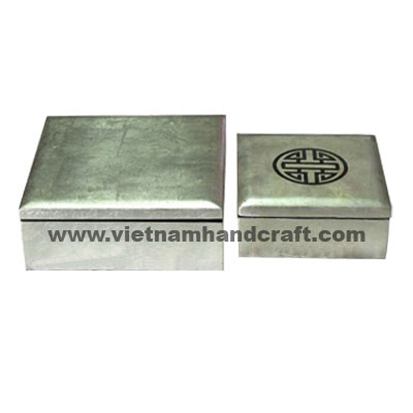 White silver leaf lacquered wood amenity boxes with black Chinese symbol