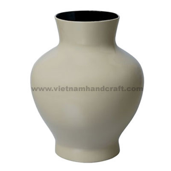 Lacquered flower vase in grey