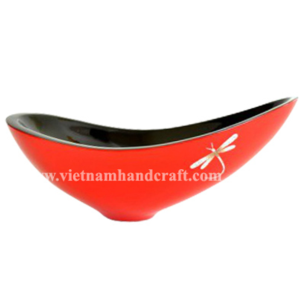 Lacquered wooden decoration bowl with eggshell dragonfly inlay