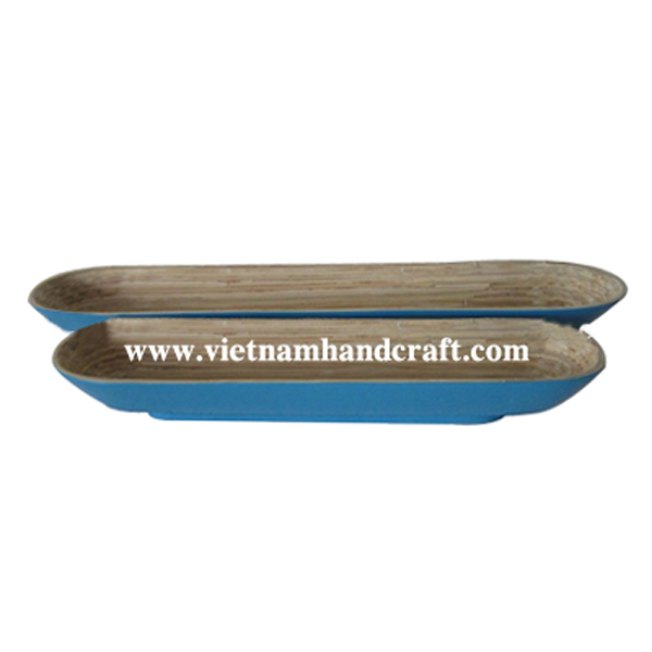 Lacquered bamboo food bowl. Inside in natural bamboo, outside in turquoise