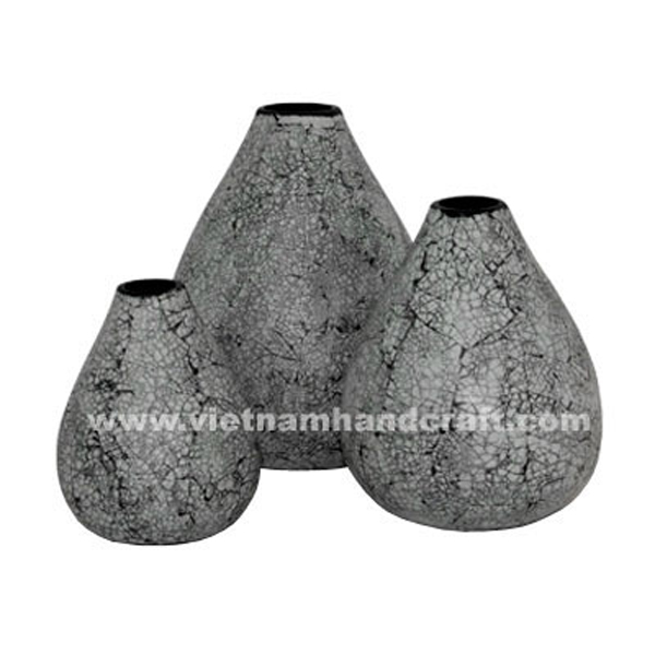 Black lacquer vases inlaid with white eggshell