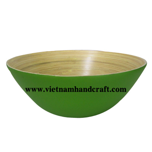 Lacquer bamboo decor bowl. Inside in natural bamboo, outside in green