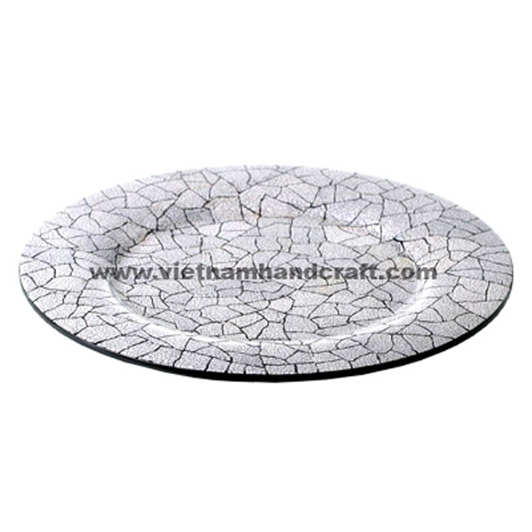 Black lacquered wood plate inlaid with white eggshell