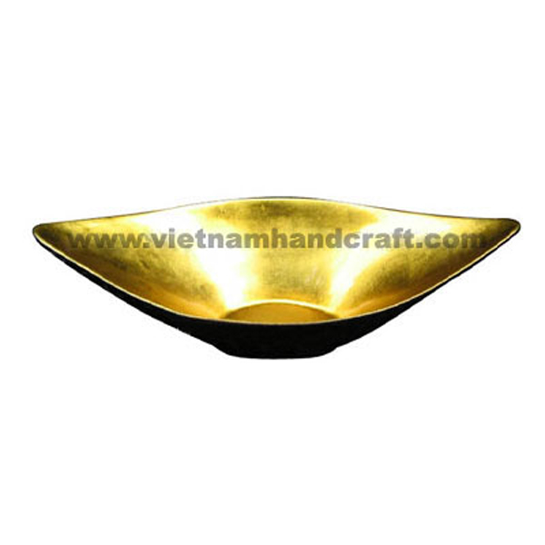 Lacquered decor bowl. Inside in gold silver leaf, outside in black