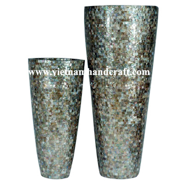 Lacquered planter pot with sea shell inlay