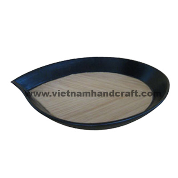 Lacquered bamboo food dish in natural bamboo & black