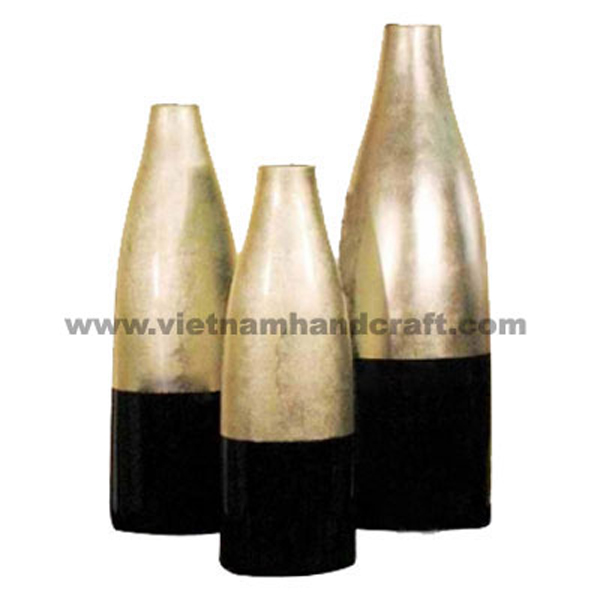 Set of 3 lacquered vases in black & light gold silver