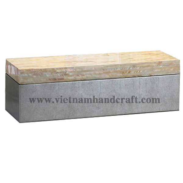 Lacquered wood box. Box body in white silver leaf, lid inlaid with mother of pearl