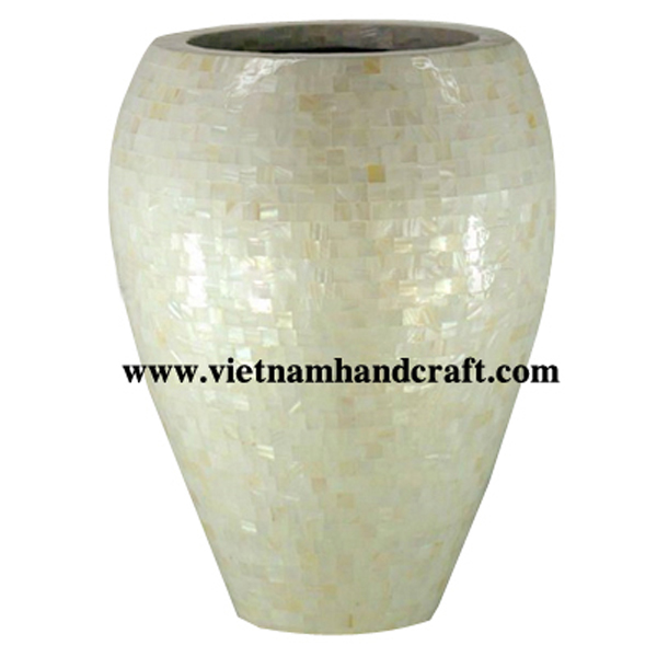 Lacquered indoor plant pot inlaid with sea shell