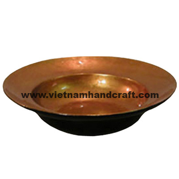 Lacquered wood bowl. Inside in silver metallic pink, outside in black