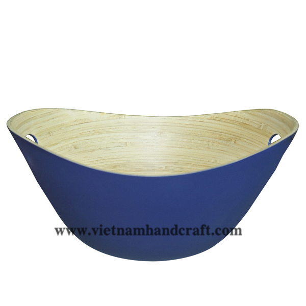 Lacquered bamboo serving bowl. Inside in natural bamboo, outside in blue