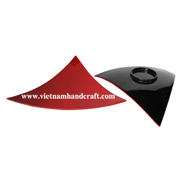 Lacquered wood serving plate in black & red