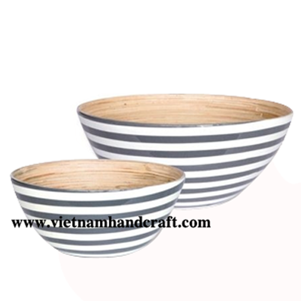 Lacquered bamboo bowl. Inside in natural bamboo, outside with handpainted black & white stripes
