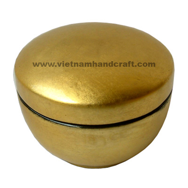 Lacquered wood gift box in gold silver leaf