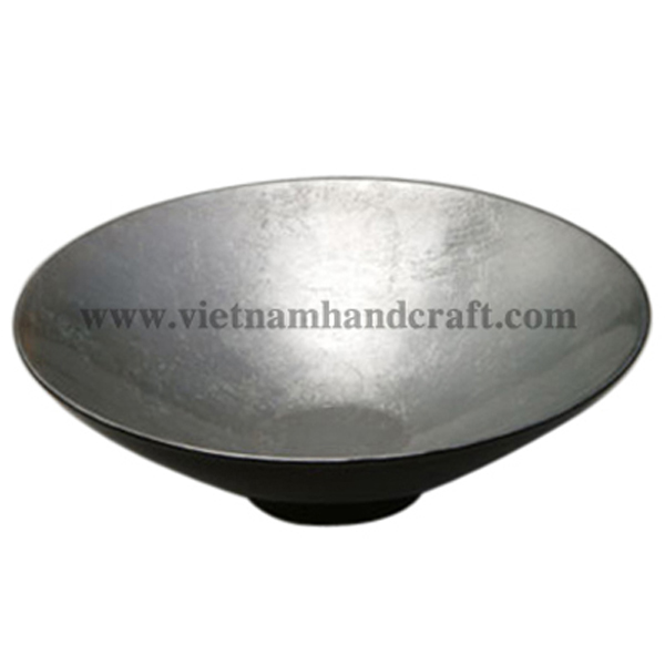 Lacquered decor bowl. Inside in white silver leaf, outside in black