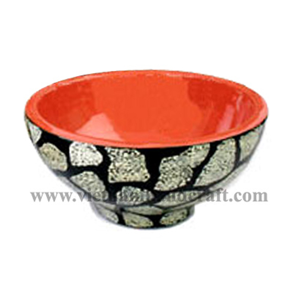 Wooden lacquerware decoration bowl. Inside in solid orange, outside with eggshell inlay