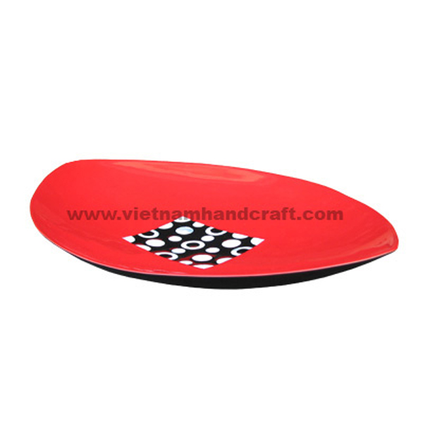 Black & red lacquer plate inlaid with mother of pearl