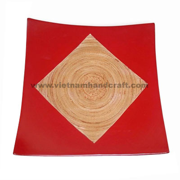 Lacquered bamboo serving plate in natural bamboo & solid red