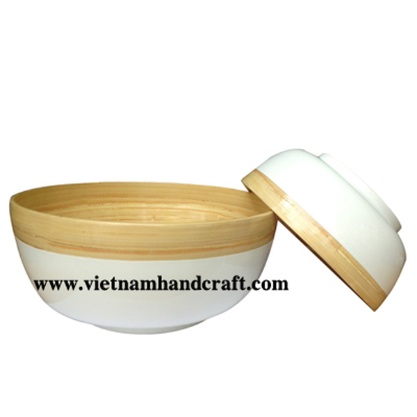 Lacquered bamboo serving bowl in natural & white