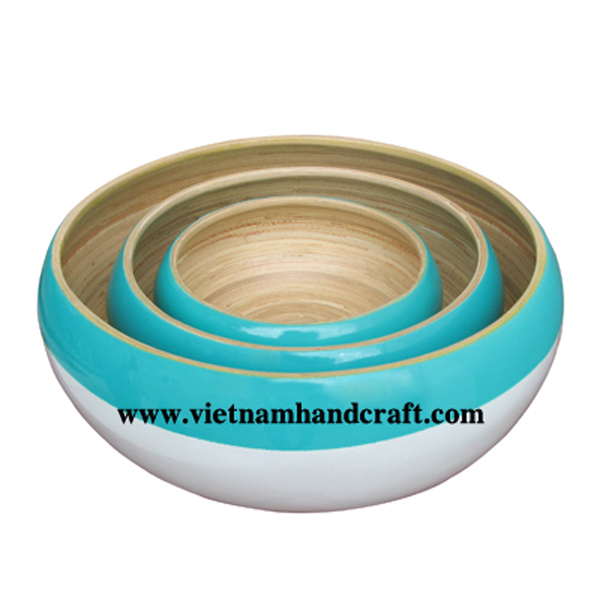 Lacquer bamboo fruit bowl inside in natural bamboo, outside in turquoise & white